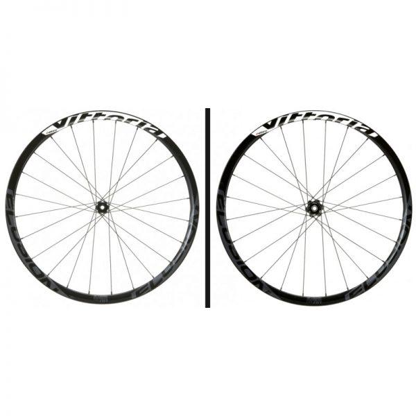 paire de roue vittoria elusion carbone 42 mm pneus disques centerlock
